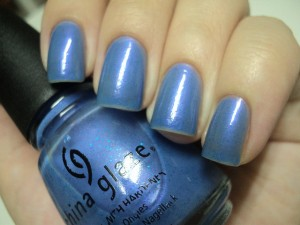 china glaze rainstorm (blue with shimmer) by mila teniz @ flickr